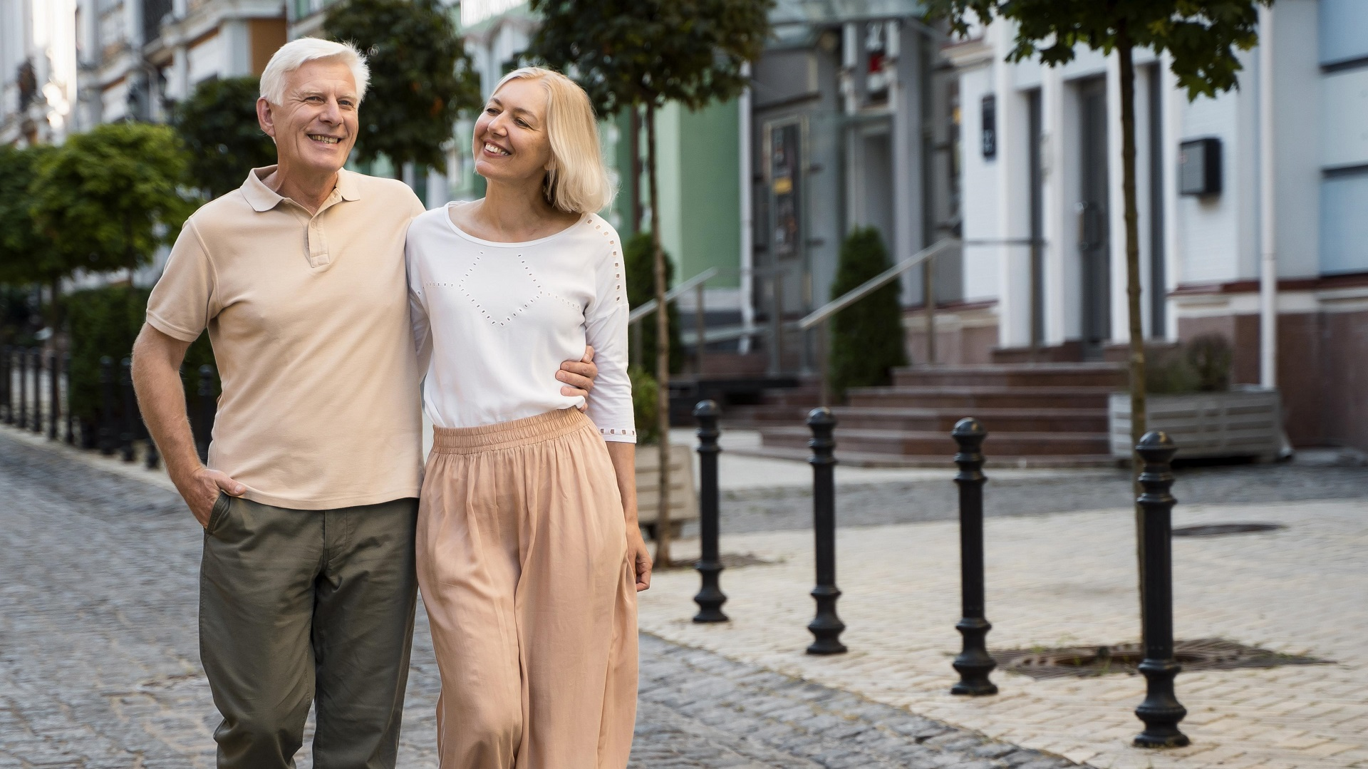 Senior couple taking a walk in the city